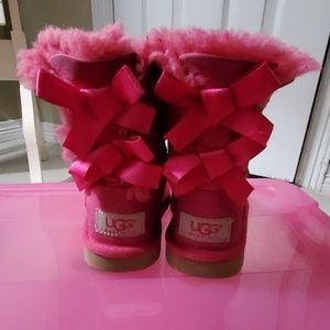 Warm winter toddler boots with ribbons